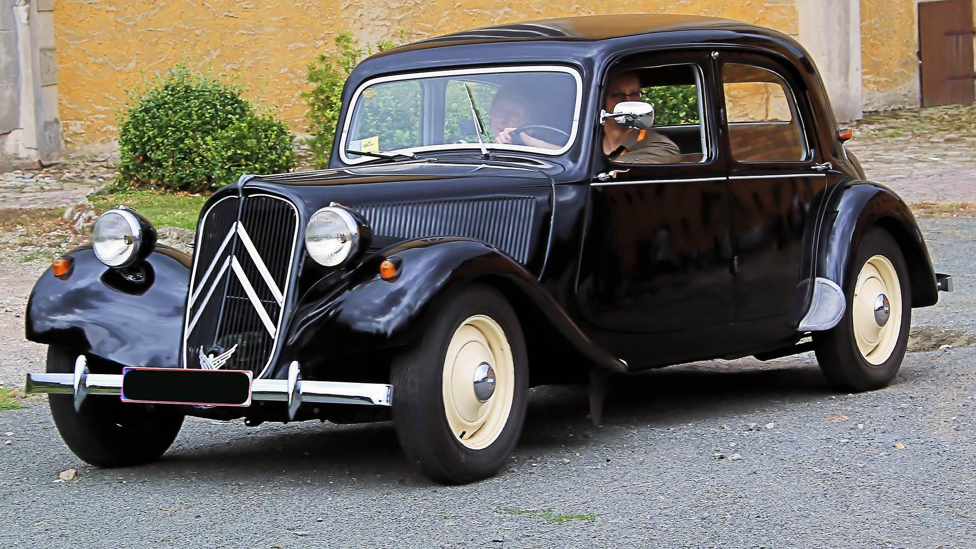 Musta Citroën 11CV