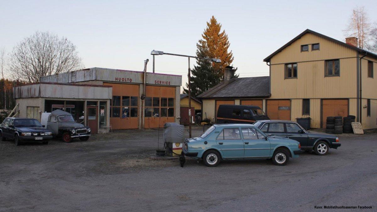 Vanha huoltoasema Karjala on edelleen alkuperäisessä asussaan.